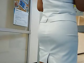 Sweet Candid Ass in Skirt 02 (Mature)
