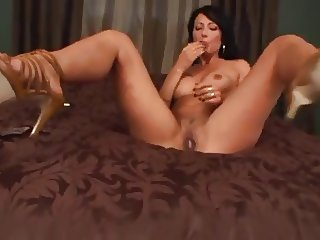 Zoey Holloway Masturbation on Heels
