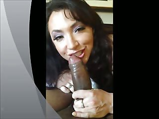 Latina MILF showing who's boss