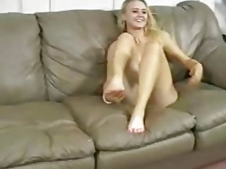 Alizza  amazing footjob