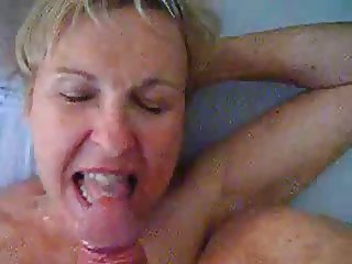Slut Mature married Wife love sucking cock and cum