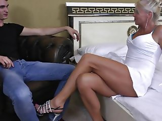 Aniko 47years old and loves sex