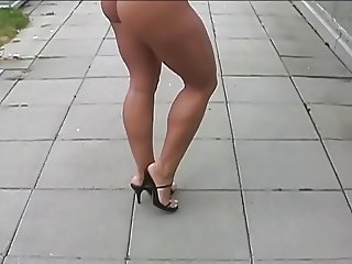 sexy big butt walking