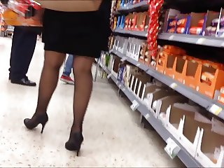 Lady in a shot skirt