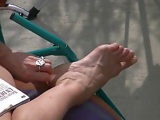 spy on mom hot feet