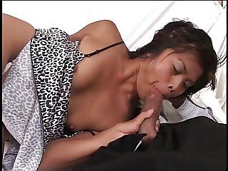 Hot little Thai bitch gets her pussy licked from behind then gets fucked