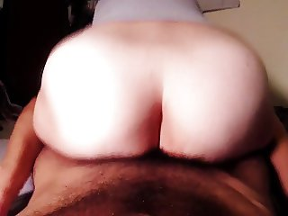 Hairy amateur MILF grinds big ass cowgirl