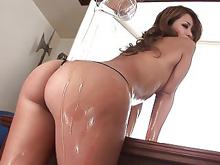 Smoking hot brunette gets her cunt filled with toys