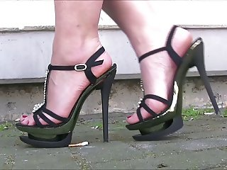 Sexy Girls In Sexy Heels 20