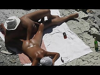 Guy Handjob his girlfriend pussy to orgasm on a public beach