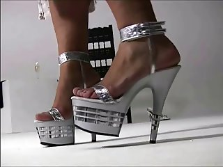 Sexy Girls In Sexy Heels 22