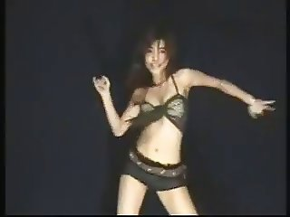 Sexy Thai girl Go Go dance 2
