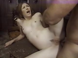 Tiny Lisa - Frist time anal