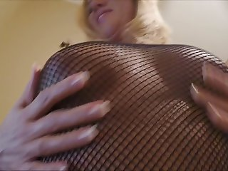Wife is such a slut for cum
