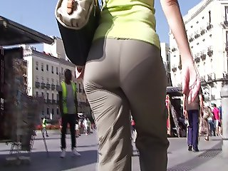 spanish candid booty visible panty lines