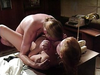 Horny chick gets neailed by doctor