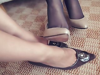 high heels shoeplay in pantyhose