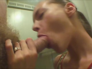 Ivana Makes Blow Job In The Elevator