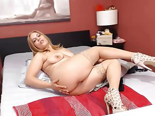 toy aunty naked finnaly for tips