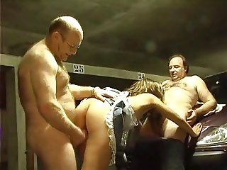 Fat old men's fuck 18y slut on underground parking