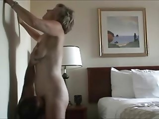 Mature Amateur Gets her Pussy Eaten Out