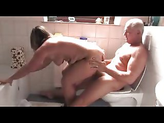German mature hot sex in the bathroom