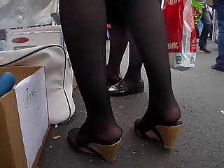 Public Feet and Shows Cam 5-15