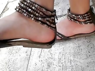 young teen sandals feet foot candid ayak