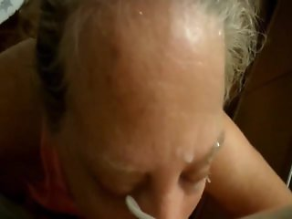 Granny sucking and takes a faical