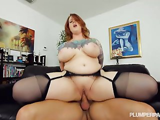Sexy Tattooed BBW MILF Gets Her Stockinged Feet Fucked