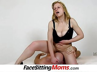 Amateur cougar Gabina facesitting young bloke