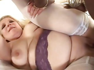 Phat-booty MILF gets a BBC in her pussy and ass