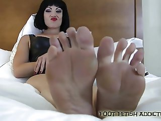 Lick and suck on my perfect little toes