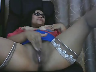 Latina mom plays for you on POV webcam (no sound)