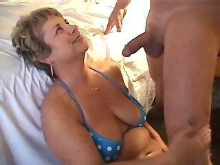 Blowing a load on milfs face 1fuckdatecom