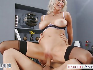 Sexy blonde Emma Starr gets nailed in the office