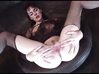 LIKE CLOCKWORK - fishnets goth girl fucked threesome