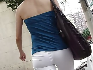 Onion ass on the street