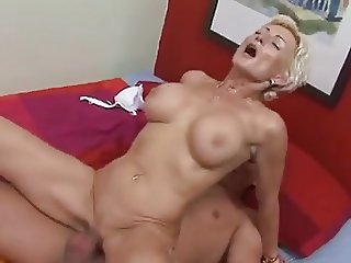 Justin does a MILF