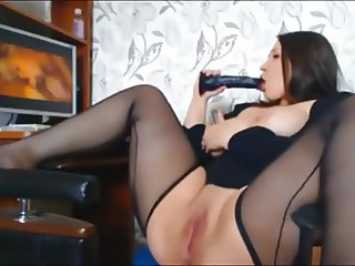 Chubby Brunette Girl Masturbating to Porn more at chat6.ml
