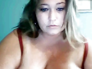 Extra Busty BBW jamming a toy in herself on cam