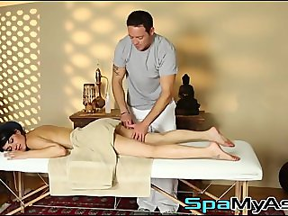 Hung masseur turns on hot Charley Chase