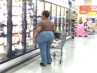 Enormous BBW Ass In Jeans Built For Sniffing!