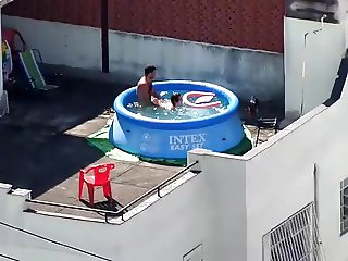 Fun in the roofpool