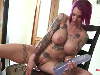 Anna Bell Toys In Holles
