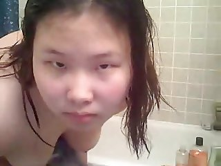 Amateur Asian teen BBW in the shower