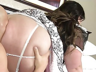 SSBBW French maid Bella Bendz gets