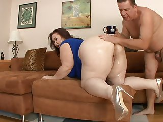BBW MILF Lady Lynn Pounded and Fed Cum by Swiney