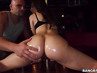 Big booty Alexis Rodriguez gets fucked in strip club