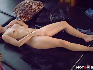 Teen Convulses During Crazy Squirting Orgasm